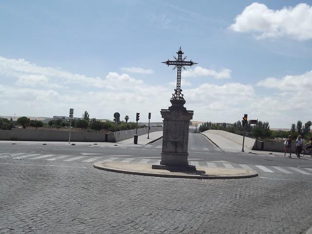 Puente de Miraflores - Plaza Cruz del Rastro -  Cordoba - Cruz del Rastro