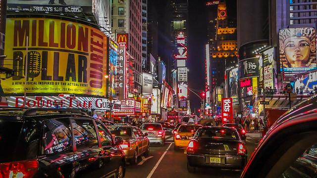 Luzes por Favor / Lights Please_NY