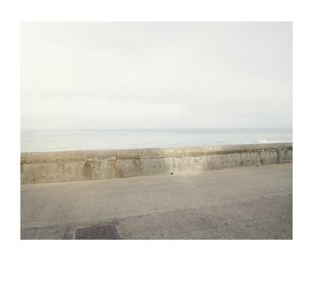 prom, wall, sun and sea.