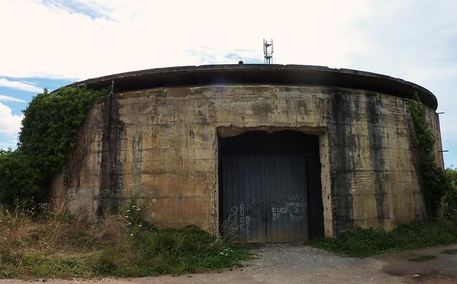 Anciennes citernes d'essence militaires, L' Houmeau