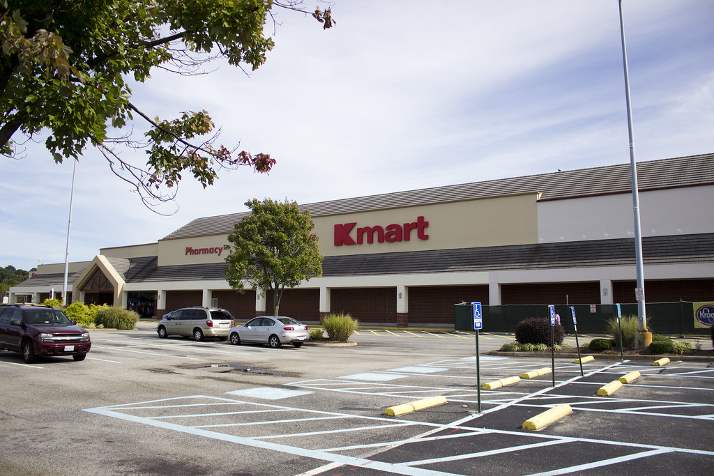 Kmart - Tabb, VA | This is a Kmart, located at 5007 Victory