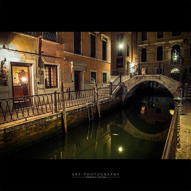 Under Venice lights | FUJI x-PRO1 + 18mm