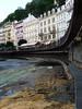 Sto let stará a hypertermofilními řasami porostlá deska na dně Teplé, foto: Petr Nejedlý