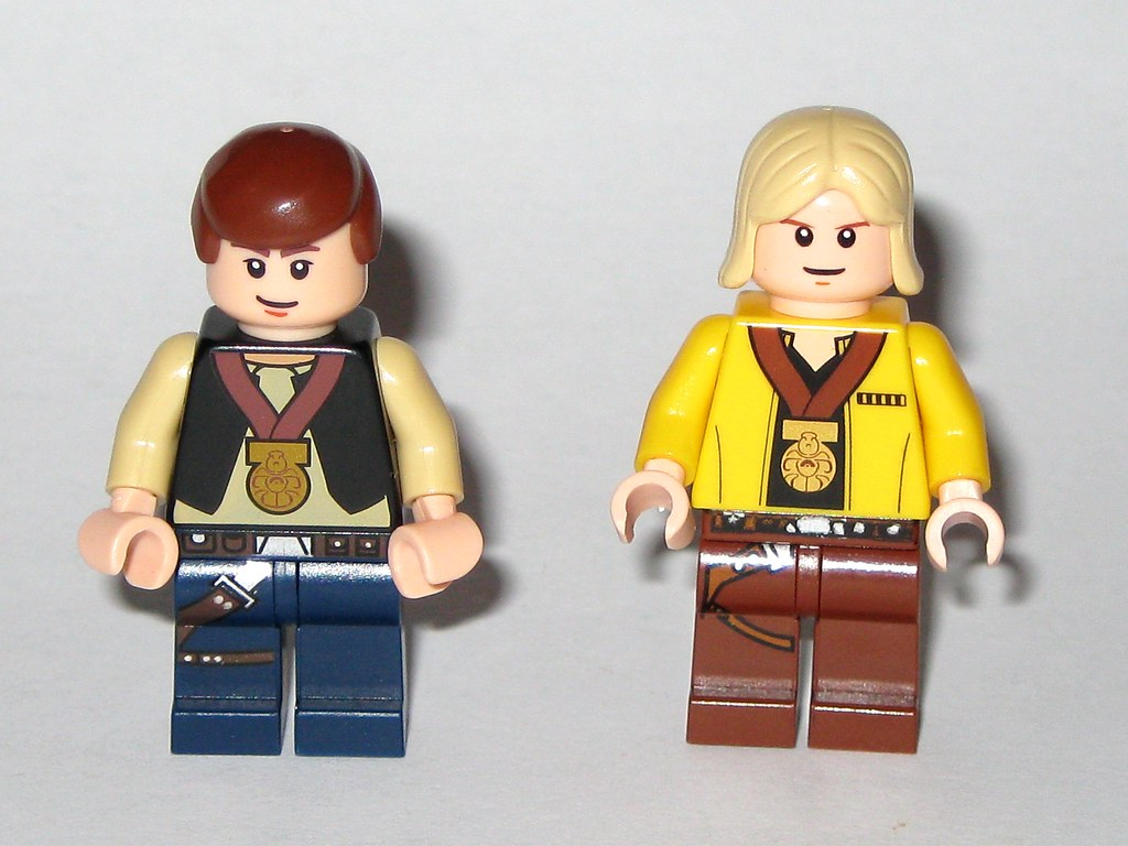 LIMITED EDITION~Lego~Star Wars~Han Solo /& Luke Skywalker Medal Ceremony Minifigs