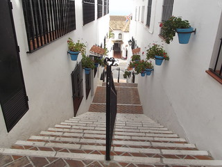 Avda de Mejico, Mijas - steps down | by ell brown
