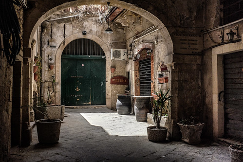 Courtyard in Ortygia