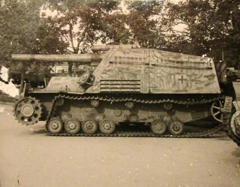 """A 15cm Panzer-Haubitze auf Geschützwagen IV """"Hummel"""""""