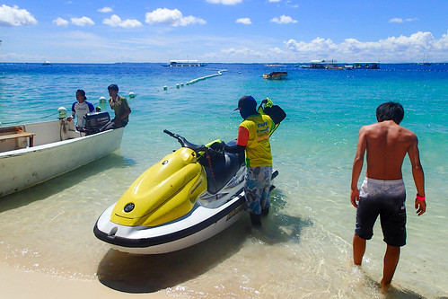 vacation beach resort marinesports フィリピン tambulibeach 中央ヴィサヤ ラプ=ラプ philippinesフィリピン cebuセブ mactanislandマクタン島 parasailingパラセイリング tg28230935 jparkislandresortwaterparkcebu jetskiジェットスキー