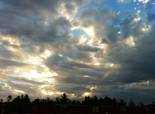 above morning cloud sunrise lensflare sunbeam cloudscape focusonshadow watervilletg