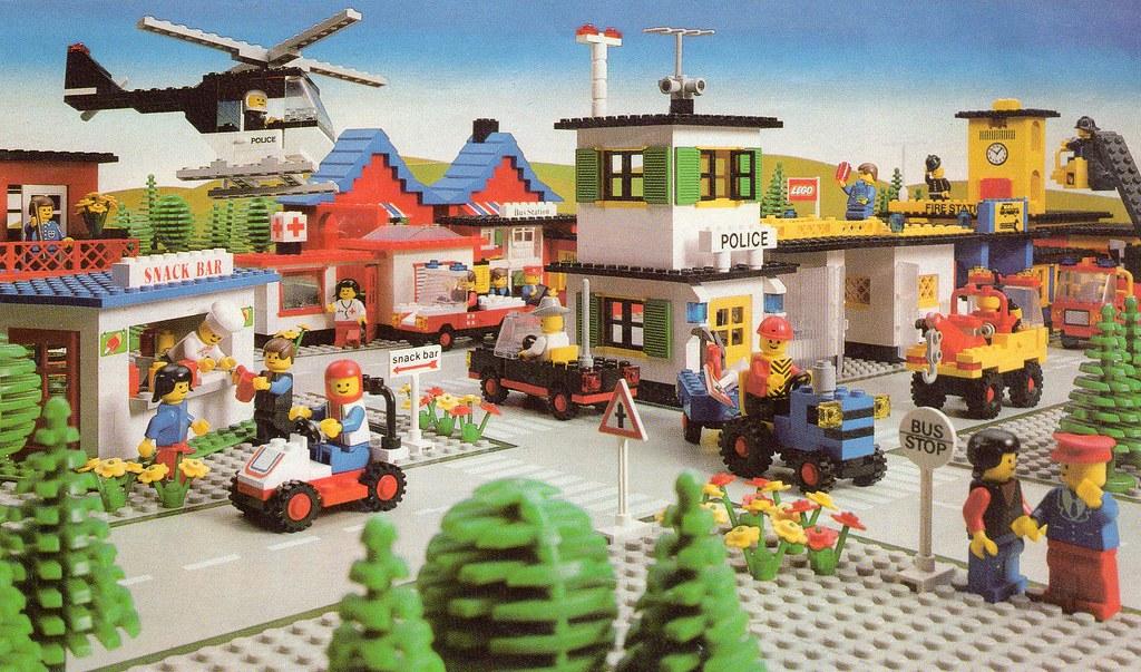 Lego Toy Catalogue 1981 #2 | Legoland Scene  | tzone636 | Flickr