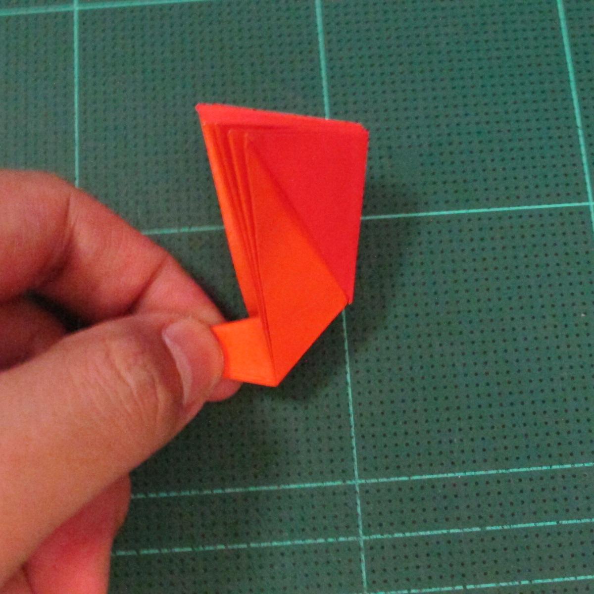 วิธีพับกระดาษเป็นช่อดอกไม้ติดอกเสื้อ (Origami Wedding Chest Flower) 018