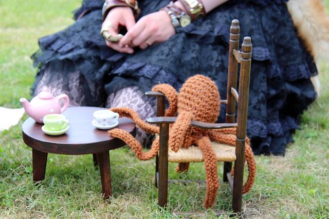 Caramel Coffee has his own tea party