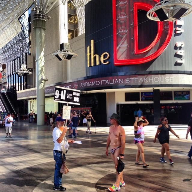Las Vegas is too weird to explain #bacheloreparty #lasvega