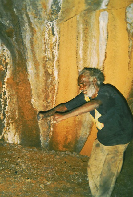 Ilyatjari Ngintaka dance in sacred mens cave