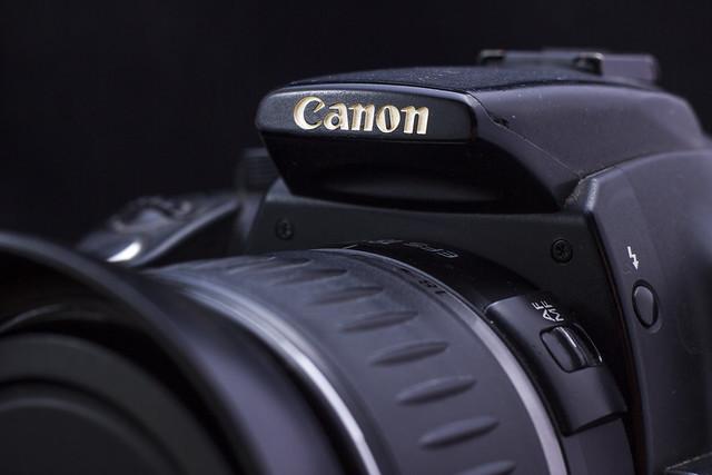 Canon EOS 350D + Canon 18-55mm f3.5/5.6 USM
