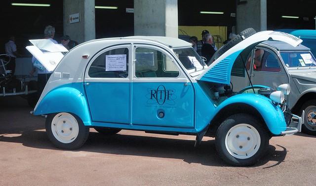 Citroën, 2CV Sahara (France, 1961 - 1966)