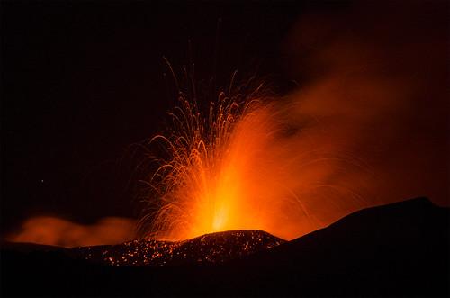 red fountain volcano lava sicily etna fontana sicilia vulcano 2014 eruzione adrano nsec