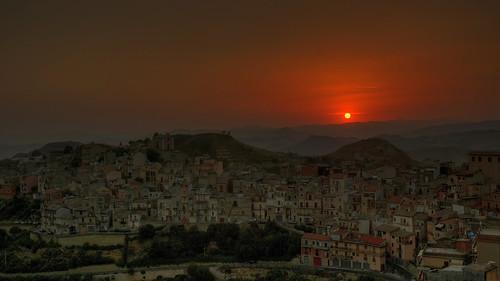sunset panorama sun enna italia tramonto sole sicilia paese greatphotographers centuripe platinumheartaward vincega