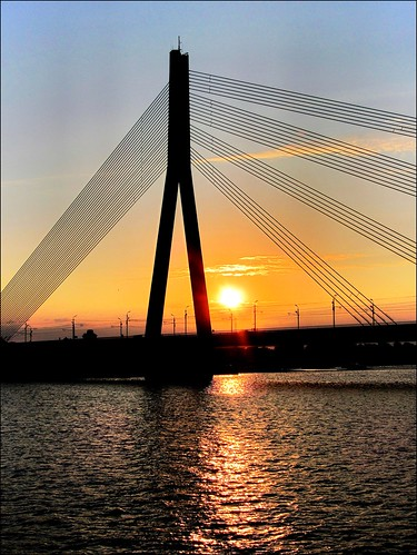 bridge sunset sky sun reflections river tramonto fiume latvia ponte cielo sole riflessi riga daugava westerndvina