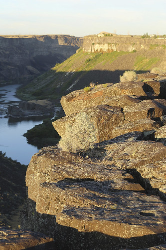 sunset shadow sky cliff usa nature water rock stone river flow lava view flood id horizon scenic canyon 100mm estuary idaho twinfalls scree snakeriver geology rim slope basalt riparian 6d 70200mm igneous snakerivercanyon canoncamera vulcanology eos6d canonef70200mmf4lisusm extrusive canon6d canoneos6d 08072014