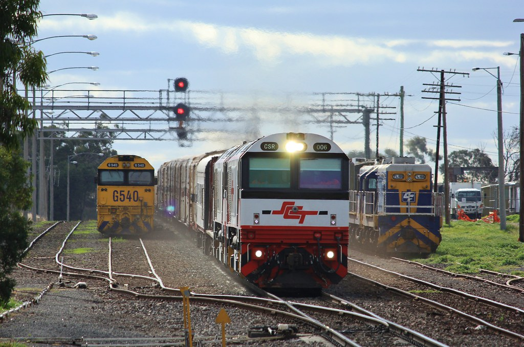 CSR006 and CSR008 thunder through Dimboola at line speed on a late PM9 service by bukk05