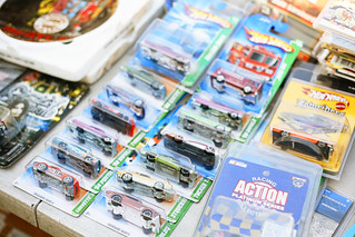 community yard sale hot wheels _MG_0007 | by ex.libris