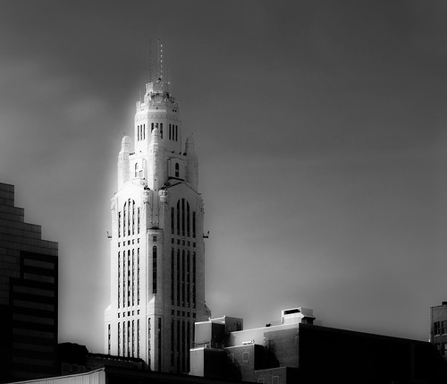columbus ohio building stone architecture downtown highrise 614 levequetower cbus