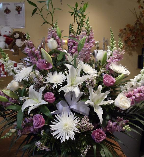 Farah Florist W-A-13.   $120