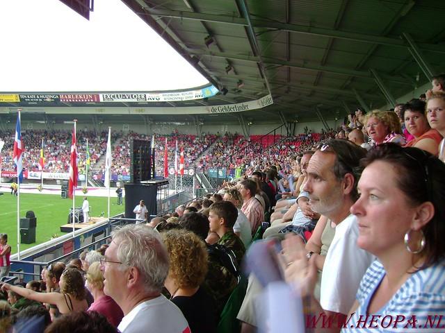 2007-07-16 Startbewijs op halen en vlaggen parade. (78)