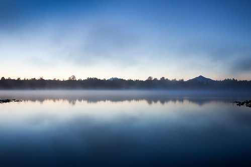 morning blue lake reflection water fog sunrise dark early bluehour watermirror lakecassidy