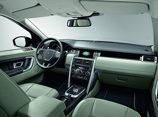Land-Rover-Discovery-Sport-2014-46