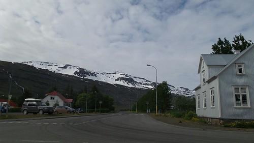 """In """"The Secret Life of Walter Mitty"""", this was Eyjafjallajökull, right next to Seyðisfjörður. #eldgos #erection"""