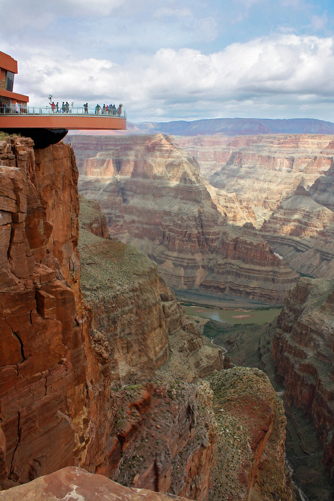 Grand Canyon Skywalk This Cantilevered Glass Floored Walkw Flickr