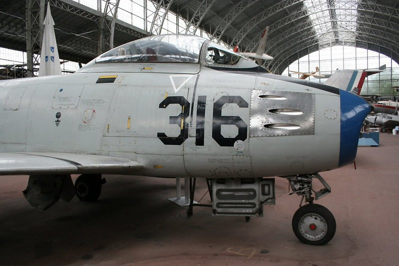 North American F-86F Sabre 2
