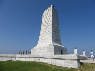 Memorial Tower, Wright Brothers National Memorial, Kill Devil Hills, North Carolina | by Ken Lund