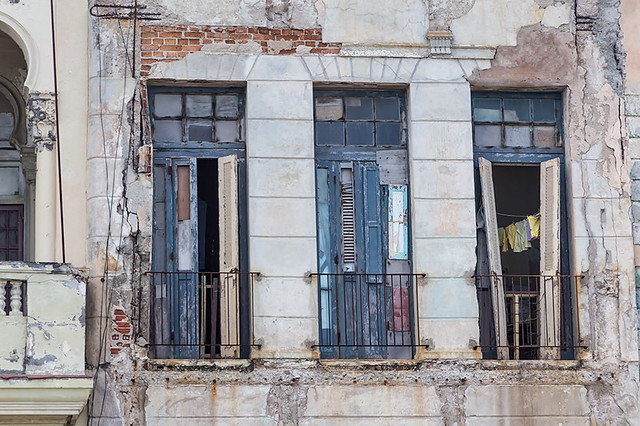 Long Windows and Laundry Drying - Havana Malecon