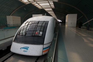 Maglev train awaiting departure from Longyang Road station | by Marcus Wong from Geelong
