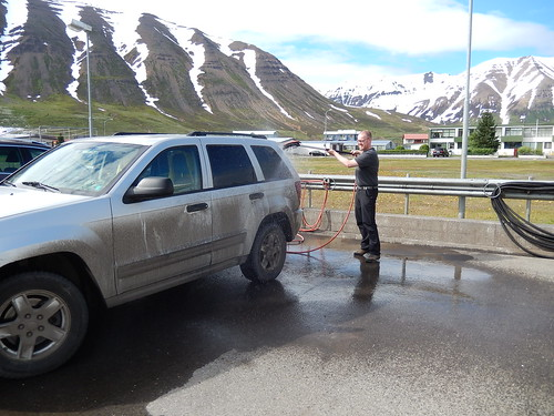 IJsland - Trollaskagi Peninsula - auto wassen