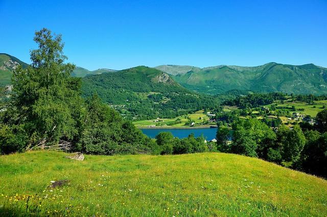 Le lac d'Arcizans-Avant vu du Camin Dera Montanha