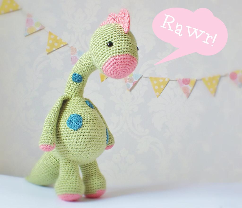 My Friend Dinosaur Dino Amigurumi Crochet Pattern | 880x1024