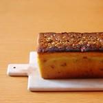 ' ' ピスタチオのパウンドケーキ  ピスタチオペーストが安売りしてたので、ケーキ焼きました。  #sweets #cake #poundcake #スイーツ #ケーキ #パウンドケーキ #ピスタチオ #igfood #instafood  #k_sweets