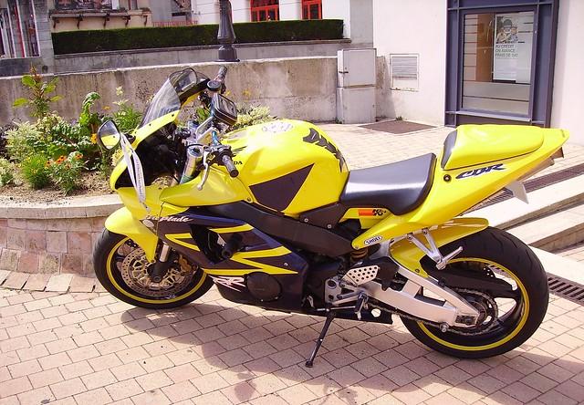 Honda CBR1000RR Fireblade jaune-noir