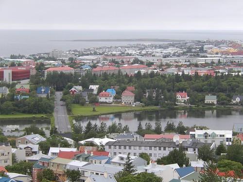 IJsland - Reykjavik -  pond vanuit Hallgrimskirkja