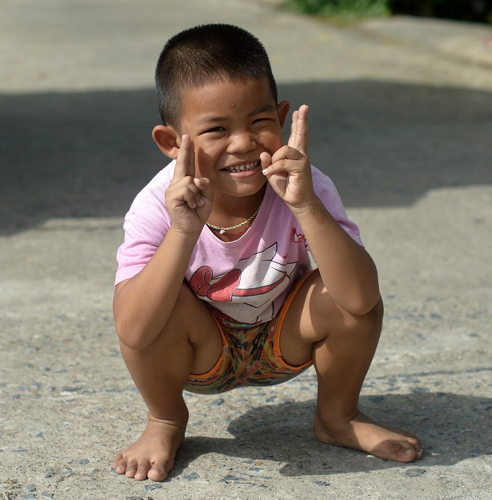 squatting boy   the foreign photographer - ฝรั่งถ่   Flickr