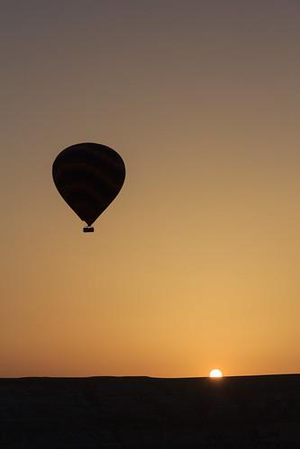 sky silhouette sunrise canon turkey landscape village ballooning cappadocia nevsehir 60d çavuşin 18200mmlens