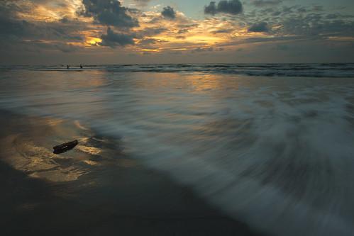 morning light seascape galveston beach weather sunrise golden fishing sand waves texas cloudy texassky sunskycloud