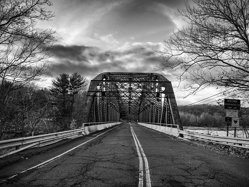 bridge winter sky bw snow cold blancoynegro clouds noiretblanc connecticut hiver newengland nb bn route ciel pont neige nuages paysage newtown froid southbury