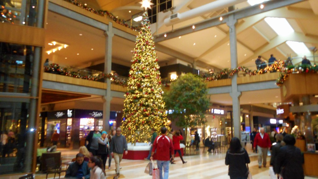 Bellevue Square Mall >> Bellevue Square Mall At Christmas Time In Bellevue Wa Flickr