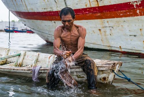 Sunda Kelapa Fisherman | by Nomadic Vision Photography