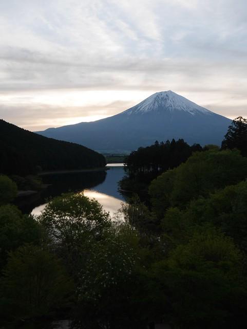 日, 2014-05-11 16:01 - 休暇村富士から